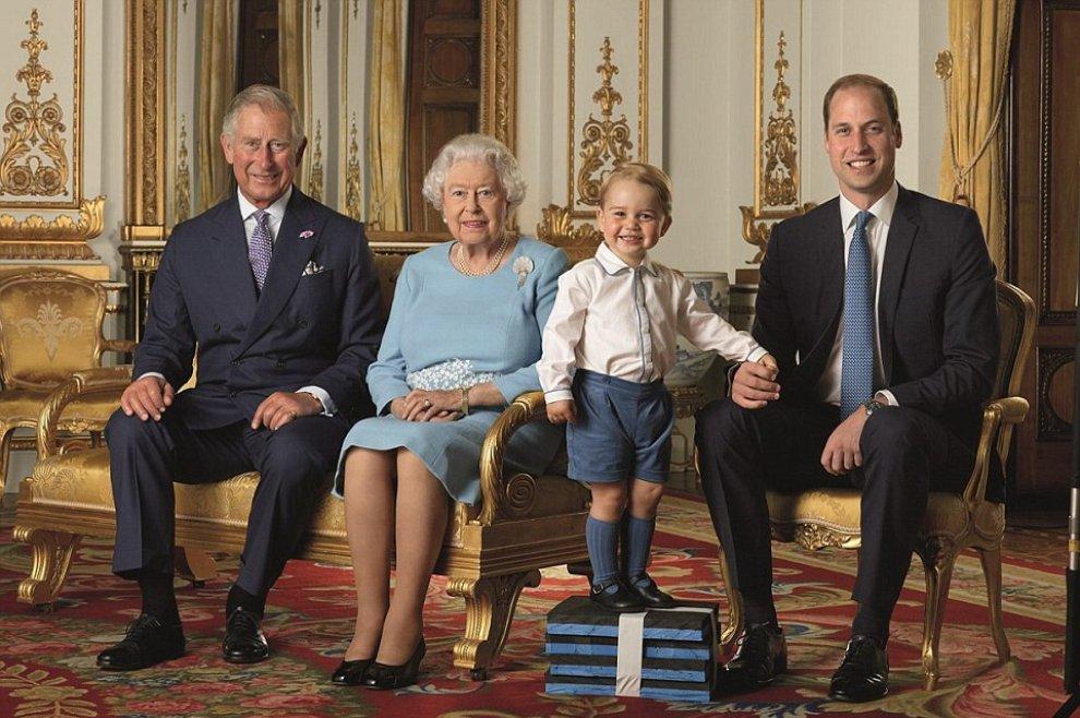 Quattro Francobolli per i 90 anni della Regina Elisabetta