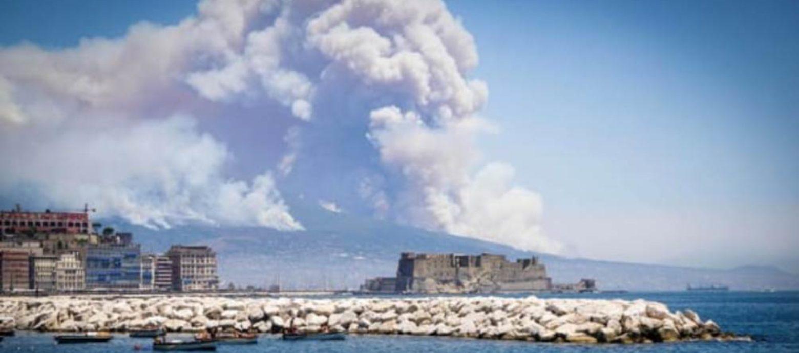 Vesuvio in fiamme: la verità su chi c'è dietro gli incendi