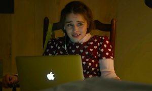 Io prima di te: come copiare il look di Louisa-Emilia Clarke [FOTO]