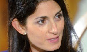 Virginia Raggi e Raffaele Marra: spunta l'ombra di una relazione amorosa