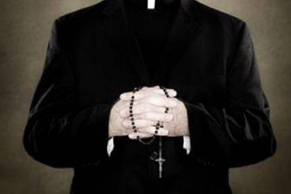 «Le voci erano sempre più insistenti» Sacerdote a processo per pedofilia.