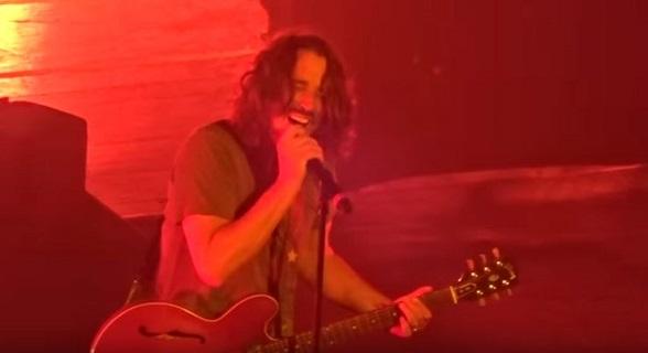 I video dal concerto dei Soundgarden di ieri sera, prima della morte di Chris Cornell.
