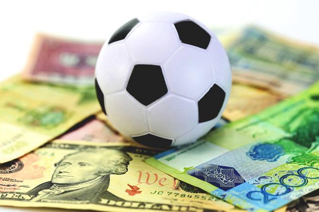 Inchiesta sul calcio della Procura di Napoli per evasione fiscale e falsa fatturazione