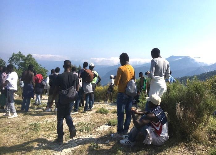 Talmente disperati da passare persino dalle Alpi. Dall'Africa a Bardonecchia per raggiungere la Francia