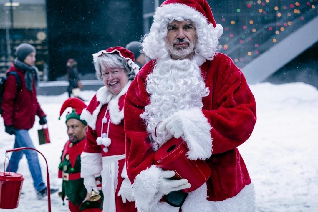 Babbo Bastardo 2, il Babbo Natale più sboccato del cinema americano, è ora disponibile in Blu-ray. Ecco la recensione!
