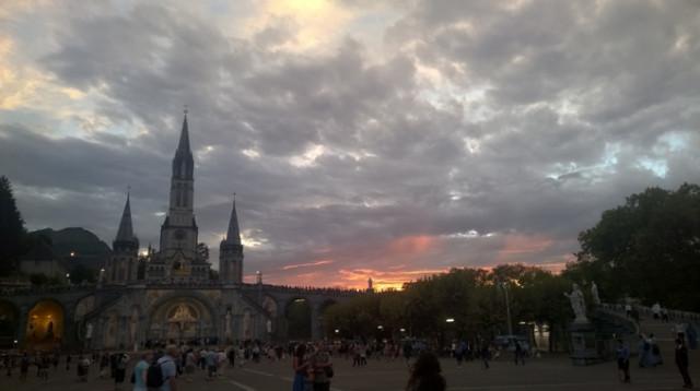A #Lourdes sul tema del Magnificat