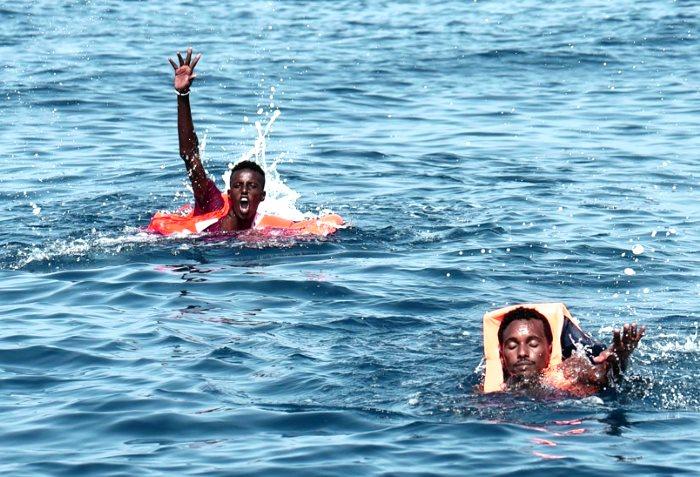 Più di 100 migranti dispersi in mare dopo un naufragio avvenuto al largo della Libia
