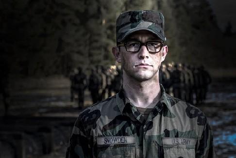 Il nuovo film di Oliver Stone, Snowden, uscirà a settembre