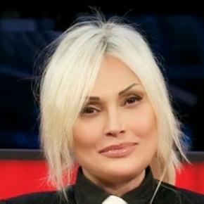 Anna Oxa: prosegue il mistero della sua fuga dall'Italia, forse colpa di Scientology