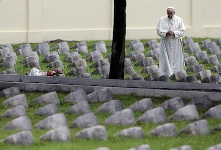 Papa Francesco: il terrorismo è dappertutto