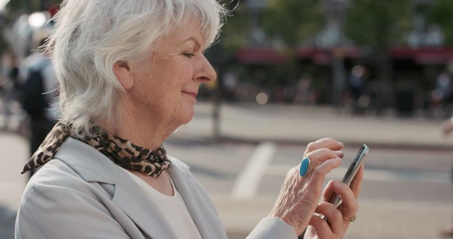 Cellulari per anziani: guida alla scelta del prodotto migliore