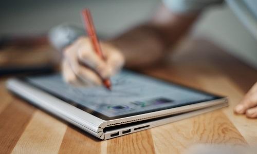 Microsoft Surface Book 2 pronto per giugno con Display 4K