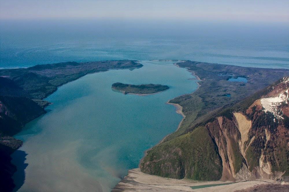 9 luglio 1958: Nella Lituya Bay in Alaska registrato il più alto tsunami della storia