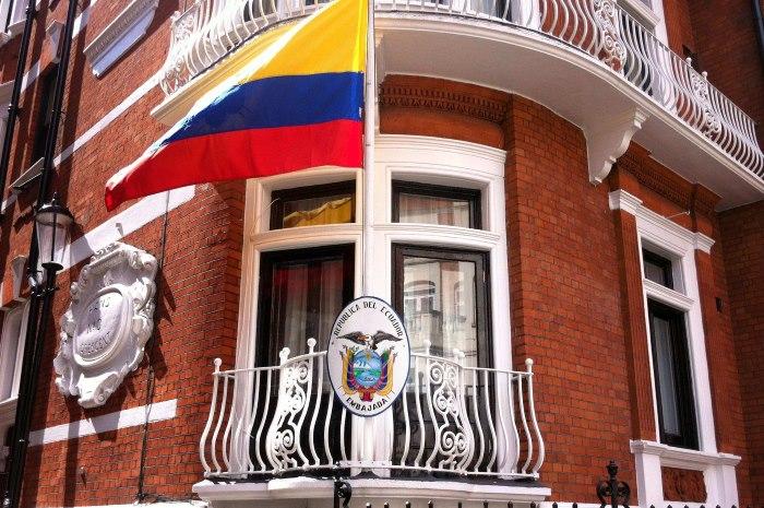 L'ambasciata dell'Ecuador ha tolto ad Assange l'accesso a Internet