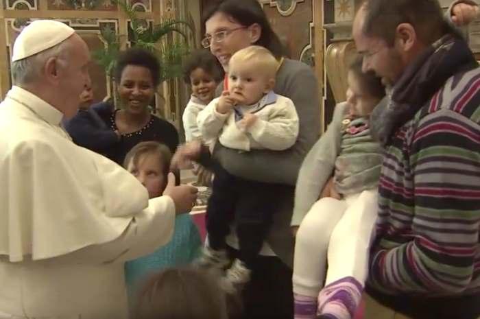 Papa Francesco saluta la comunità di Nomadelfia e ricorda Don Zeno Saltini