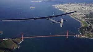 Solar Impulse 2 arriva a San Francisco, dopo aver attraversato il Pacifico