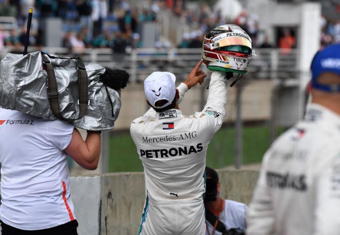 Gp Brasile, Hamilton vince e regala il Mondiale alla Mercedes