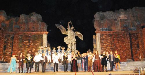Taormina. Teatro Antico si trasforma, per una notte, in Castel Sant'Angelo