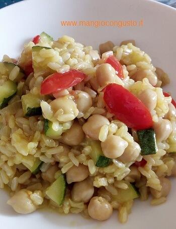 Come fare un risotto vegan con ceci e zucchine