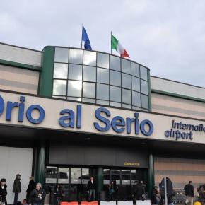 BERGAMO, CARGO FUORI PISTA - ORIO AL SERIO IN TILT