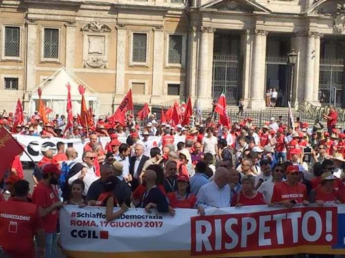 La Cgil chiede Rispetto! e scende in piazza per protestare contro la reintroduzione dei voucher