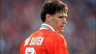 Perché Van Basten vuole cambiare il calcio?