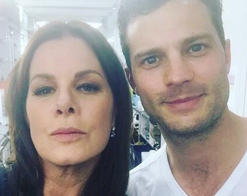 """Jemie Dornar e Marcia Gay Harden, selfie sul set di """"50 Sfumature di Nero"""""""