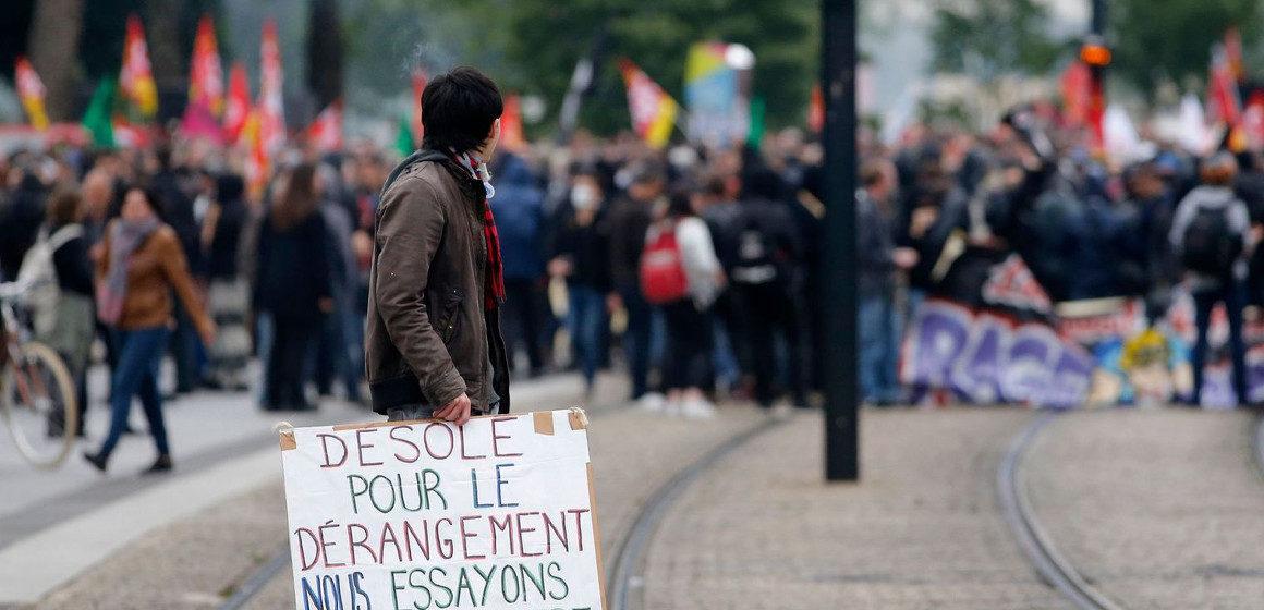 Francia, alla vigilia degli Europei proseguono gli scioperi contro la riforma del lavoro