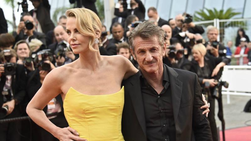 Cannes 2016 10 giornata, sulla Croisette Sean Penn e Charlize Theron