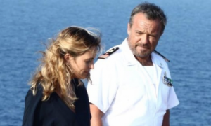 Lampedusa, su Rai1 la fiction dedicata all'isola che accoglie i migranti con Claudio Amendola e...