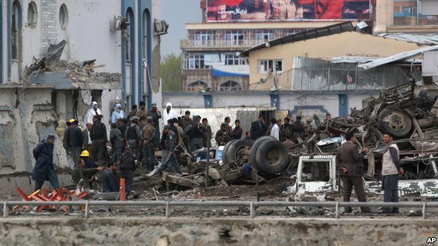 Afghanistan: Assalto dei talebani a Kabul uccide 30 persone e ne ferisce più di 300 » Guerre nel Mon