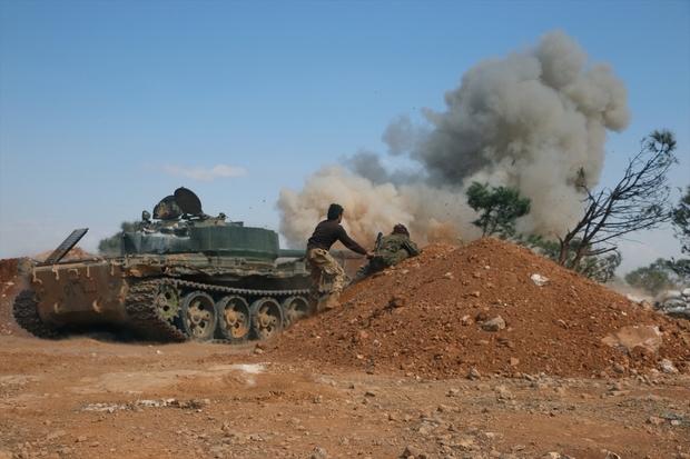 Siria: Decine di morti in violenti scontri tra esercito e ribelli a sud di Aleppo » Guerre nel Mondo