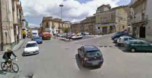 Enna. Intervento manutenzione corpi illuminanti piazza Garibaldi