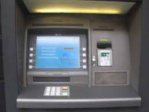Trafugato il bancomat del Banco Popolare Siciliano di Barrafranca e ritrovato vuoto a Pietraperzia