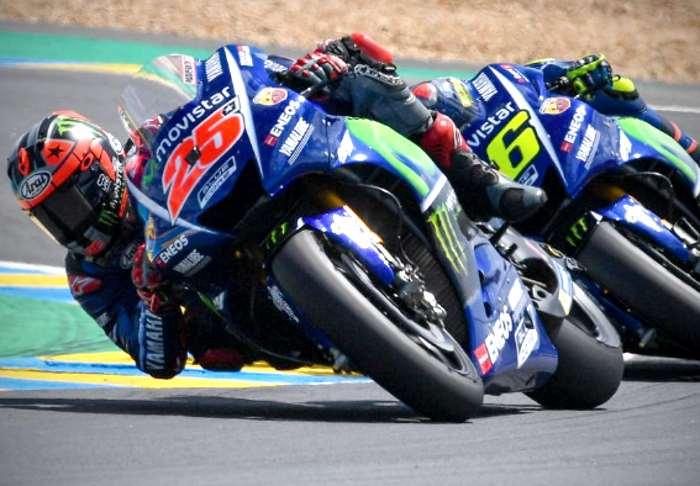 MotoGP, in Francia Rossi cade all'ultimo giro. Viñales primo in gara e nel mondiale