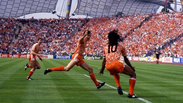 Calcio. Fifa. La rivoluzione si chiama Van Basten.