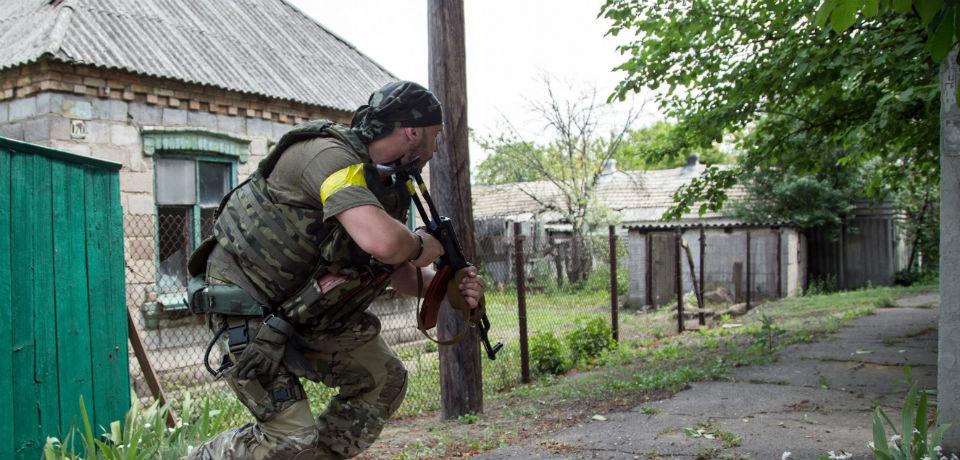 Ucraina: Ucraina riferisce di 2 soldati uccisi nella offensiva ribelle appoggiata dalla Russia » Gue
