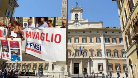 """#NoBavaglioTurco. Sit-In per Martedì 2 Maggio in Piazza Montecitorio, a Roma, per ribadire il """"NO"""" dei giornalisti italiani alla censura."""