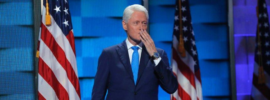 Con amore, Bill! Clinton racconta ai delegati la favola di Hillary