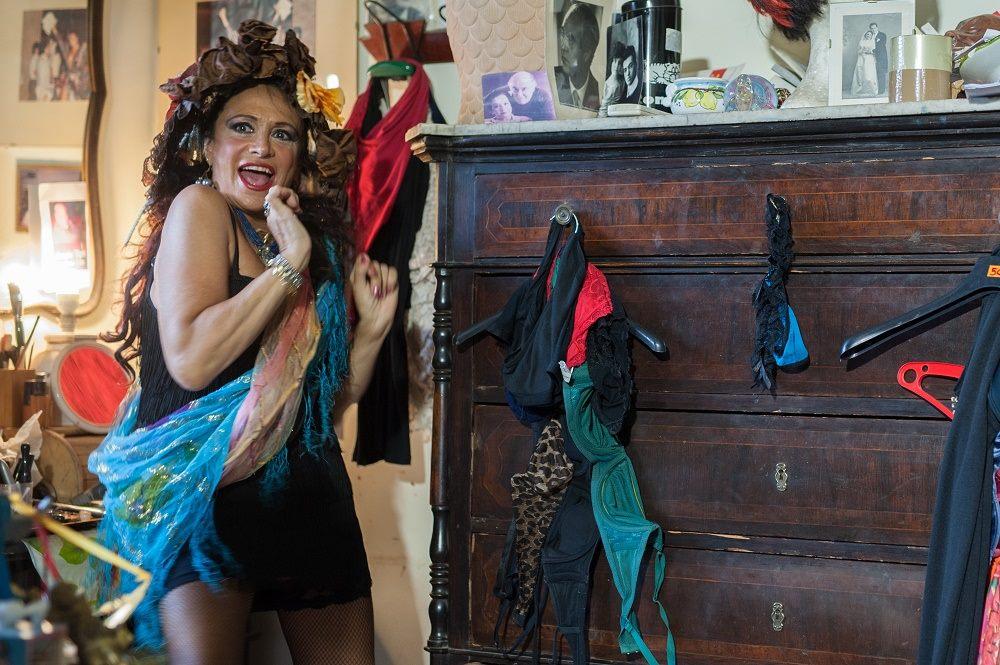 Guia Jelo, anziana prostituta bizzarra protagonista assoluta nel nuovo film  La Divina Dolzedia di Aurelio Grimaldi in anteprima al Taormina Film Fest