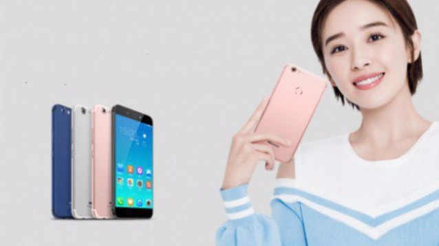 HiSense H10, cameraphone Android 7.1 con selfiecamera da 20 megapixel