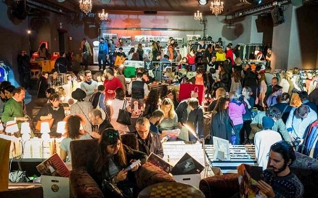 Vintage market al Quirinetta. Riciclo creativo, idee regalo e tanta musica per un Natale originale